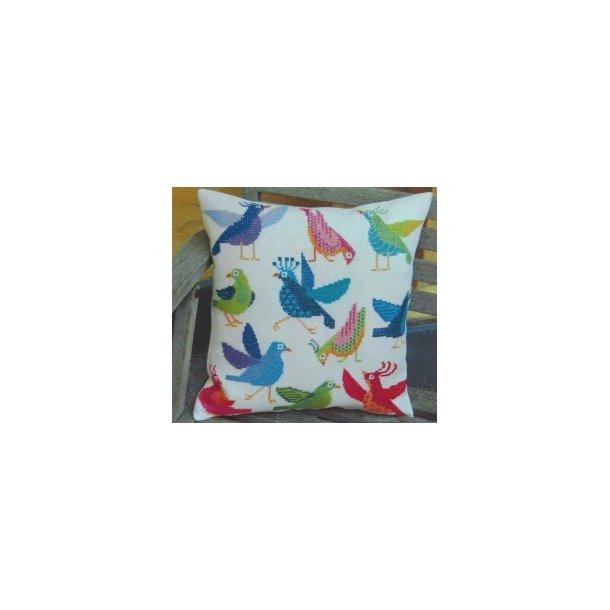 Fjollede Fugle, pude fra Håndarbejdets Fremme 7 tråde pr. cm