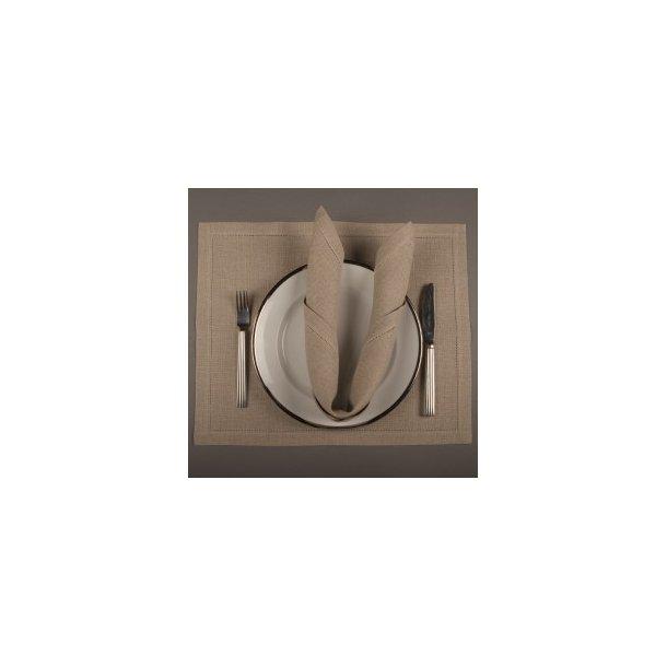 Servietter i  flere farver og kvaliteter  L45 x H45 cm 10 tråde pr. cm (5 sting pr. cm)